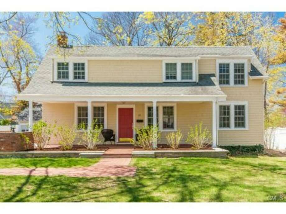 "One in five homes are priced at more than $1 million in Stamford, where the median value of an owner-occupied home is $571,400. But you can snag a home like this ""charming"" colonial in the elite shoreside Shippan section of town for $995,000. The house, while modest compared to some of the other homes near the water, offers 2,642 square feet of living space, five bedrooms and three bathrooms."