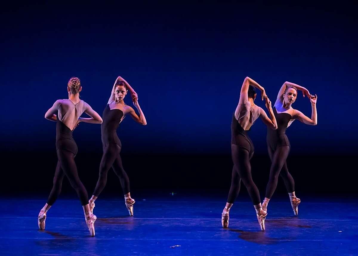 DSC_004: (L-R) Kristin Lindsay, Jackie McConnell, Edilsa Armendariz and Chantelle Pianetta Company C Contemporary Ballet in the world premiere of David Van Ligon s Natoma. Photo: Austin Forbord.