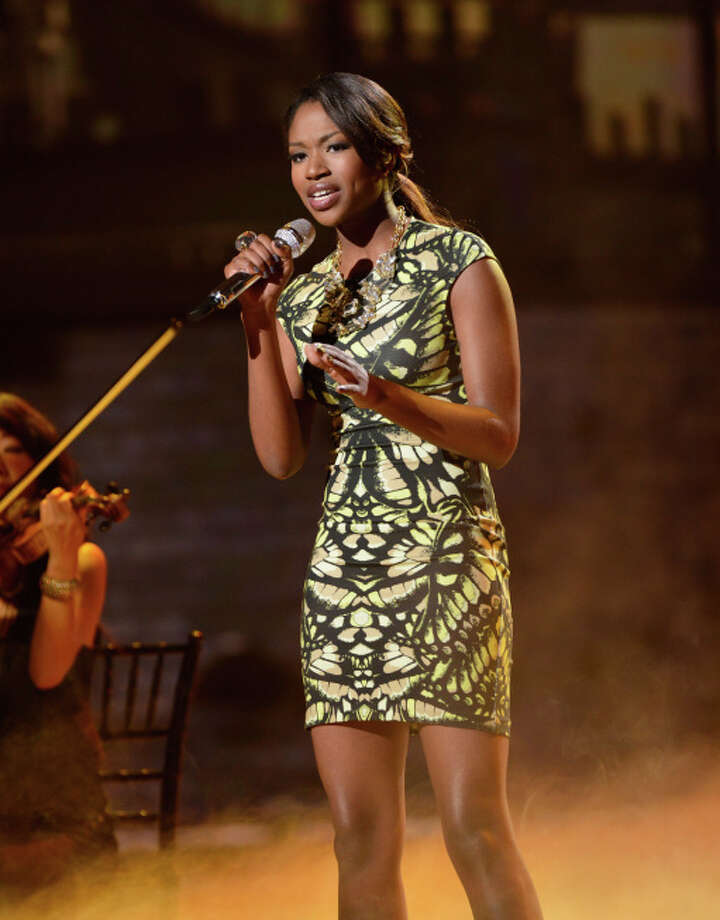 AMERICAN IDOL: Amber Holcomb performs on AMERICAN IDOL. CR: Ray Mickshaw / FOX. Copyright: FOX.