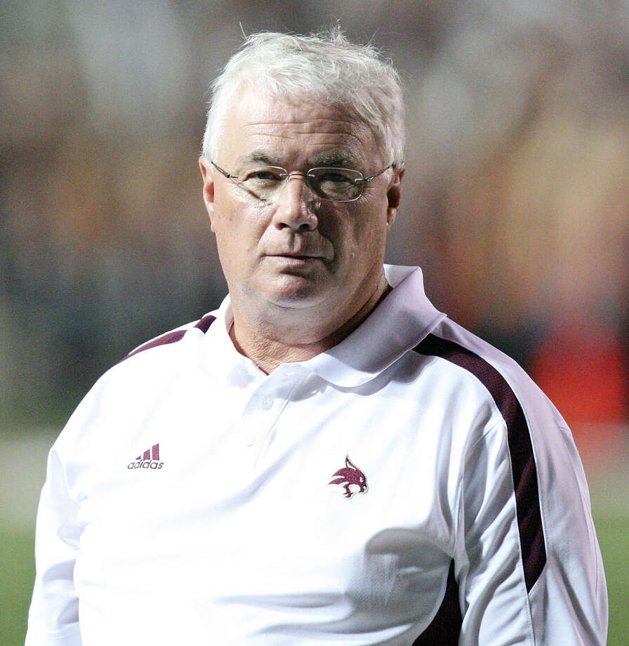 Texas State coach Dennis Franchione will be paid $400,000 annually starting in 2014.