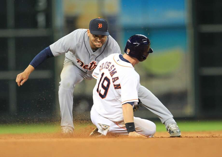 Astros center fielder Robbie Grossman gets caught stealing second. Photo: Karen Warren, Houston Chronicle