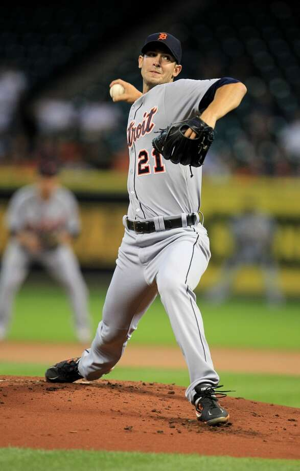 Tigers starting pitcher Rick Porcello pitches in the first inning. Photo: Karen Warren, Houston Chronicle