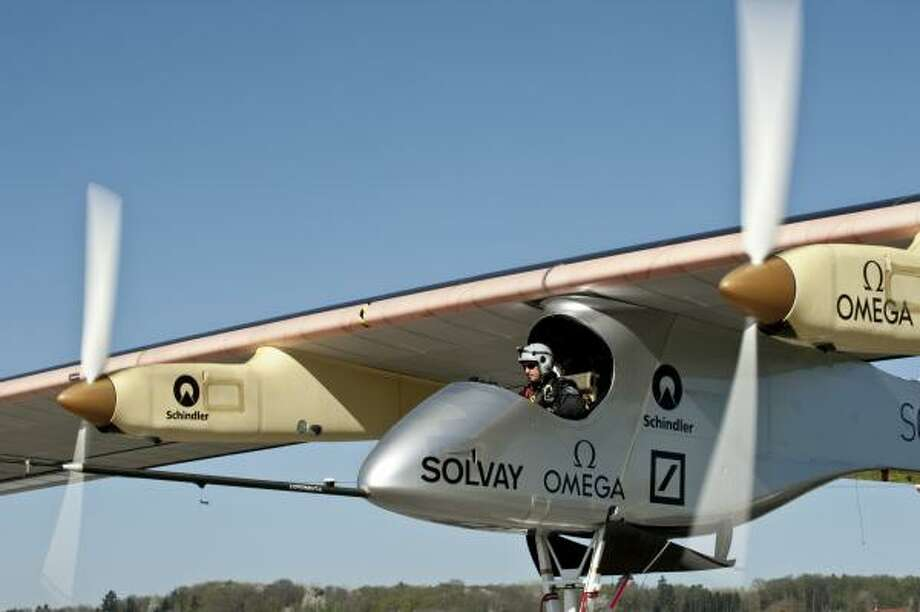 Solar Impulse in Switzerland in 2011. Photo: Fred Merz, Solar Impulse