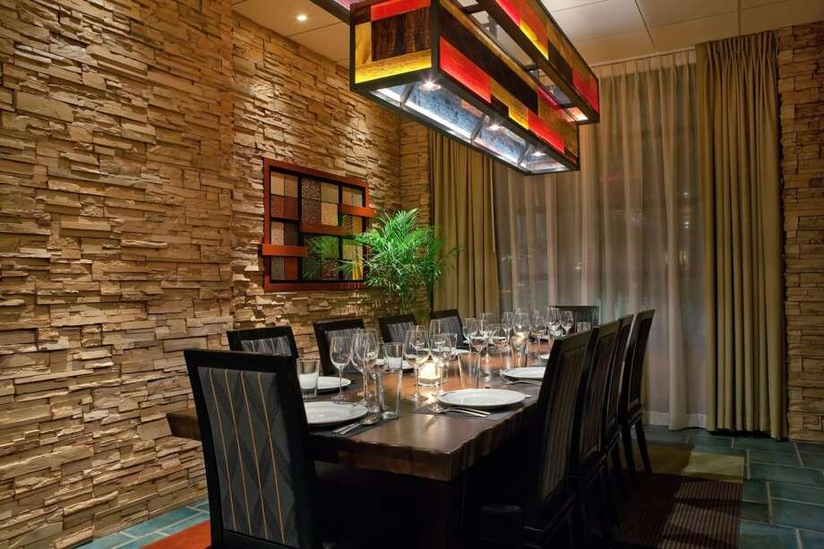 A dining area of Seasons 52.