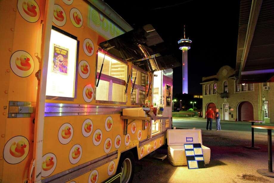 The DUK Truck at Alamo Street Eat-Bar