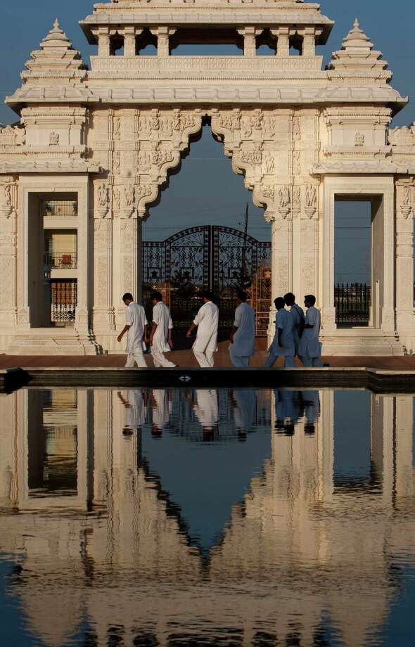 Visit the wondrous BAPS Shri Swaminarayan Mandir in Stafford. Photo: Johnny Hanson, Staff / Houston Chronicle