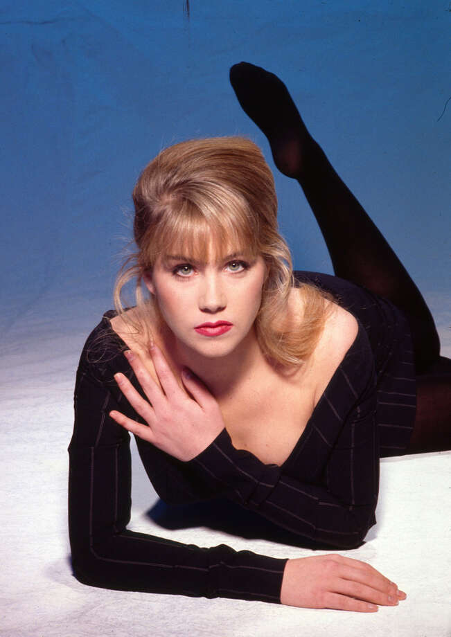 Christina Applegate, Los Angeles, 1993, in a pose photographers must of liked back then. Photo: Harry Langdon, Getty Images / 1993 Harry Langdon