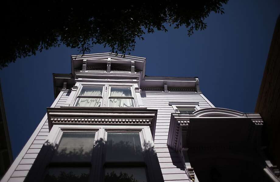 The violet facade at 1712 Fillmore St. is far from the most interesting thing about a Victorian building that witnessed decades of racial tumult and raucous jazz jam sessions. Photo: Lea Suzuki, The Chronicle