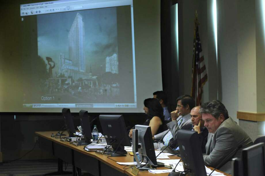 The Historic Design and Review Commission has not backed any of the proposals that would put a 26-story tower atop Joske's. Photo: Billy Calzada / San Antonio Express-News
