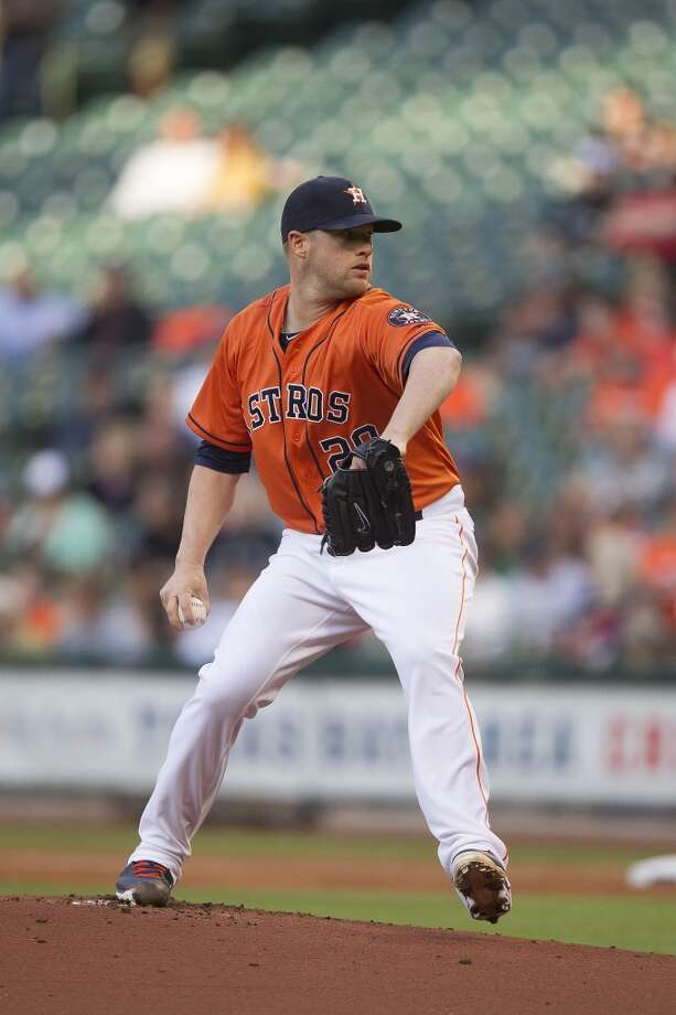 Astros pitcher Bud Norris delivers a pitch against the Tigers. Photo: Patric Schneider, Associated Press