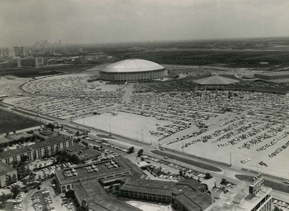 1976 - The Astrodome hosts the Offshore Technology Conference. More than 52,000 people had registered by Wednesday, May 3, 1976, to attend the conference. Photo: Danny Connolly, Houston Chronicle