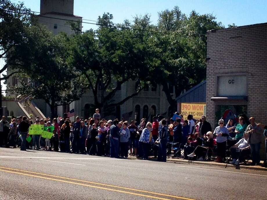 Kree Harrison fans are lining the streets of Woodville to celebrate the 'American Idol' hopeful.  Randy Edwards via Twitter The Beaumont Enterprise Photo: Randy Edwards