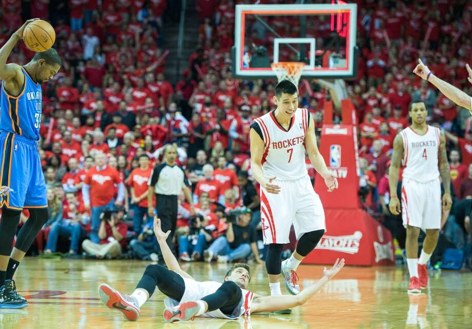 Rockets forward Chandler Parsons and point guard Jeremy Lin look for a call on Thunder small forward Kevin Durant, Photo: Smiley N. Pool, Houston Chronicle