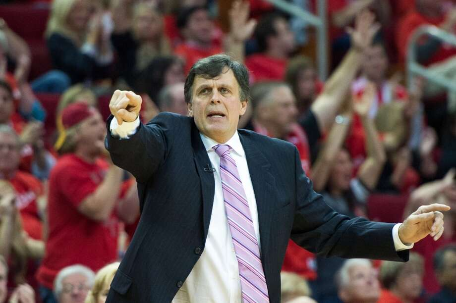 Rockets head coach Kevin McHale directs his team during the first half. Photo: Smiley N. Pool, Houston Chronicle