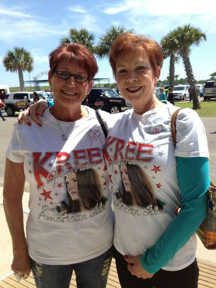 These ladies picked up their #teamkree shirts from a shop in Groves.  Brooke Crum via Twitter The Beaumont Enterprise Photo: BE