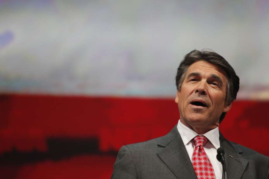 Gov. Rick Perry speaks at the NRA convention.