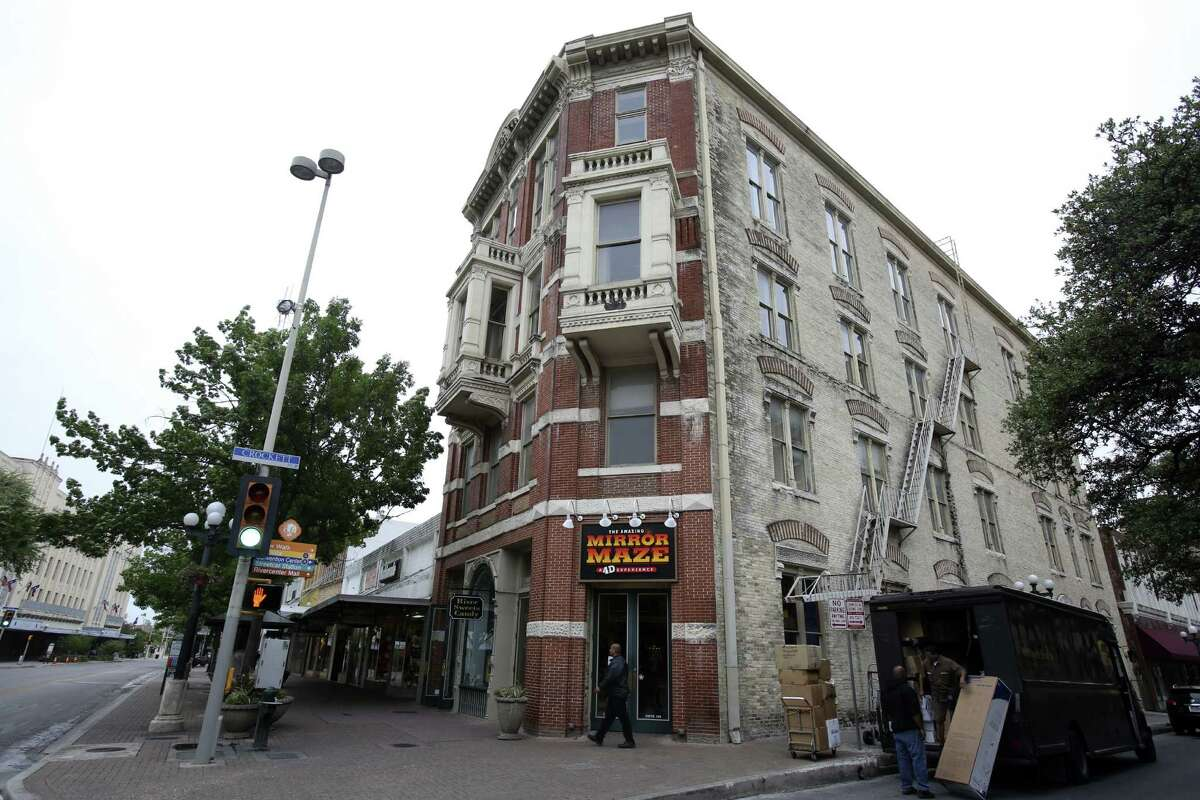 The Reuter Building, 217-219 Alamo Plaza, is the former home to Pizza Hut, and current home to the Mirror Maze. The four-story brick building was designed by architect James Wahrenberger for William Reuter in the early 1890s.