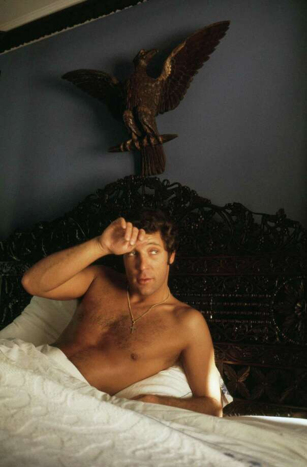 Welsh singer Tom Jones reclining in bed, July 1969. Photo: Terry O'Neill, Getty / 2008 Getty Images