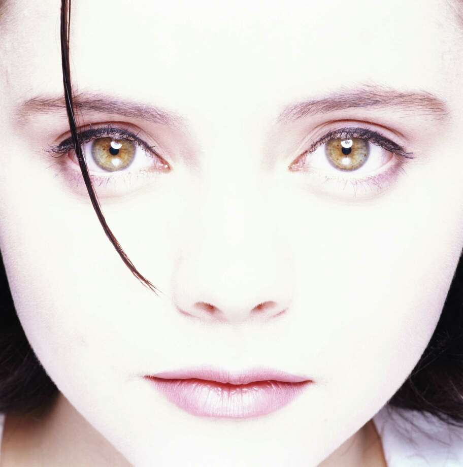 American actress Christina Ricci, circa 1990. Photo: Krause, Johansen, Getty / 2005 Getty Images
