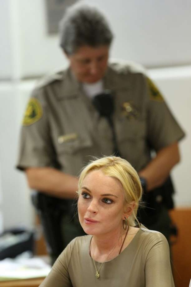 Actress Lindsay Lohan appears at a court proceeding at the Airport Superior Court in Los Angeles, California, March 10, 2011. Lohan is charged with a felony count of grand theft of a 2,500 USD necklace allegedly taken from a Venice, California jewelry store.