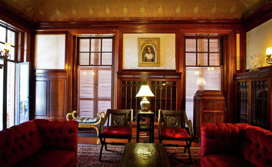 The parlor of the Open Gates historic mansion.  Photo: Nick De La Torre, Chronicle / © 2013 Houston Chronicle