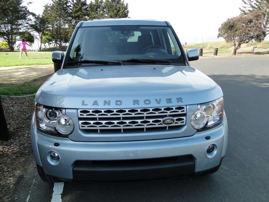 The 2013 Land Rover HSE is a pretty high and boxy-looking truck. (It would probably hate being called a truck.)