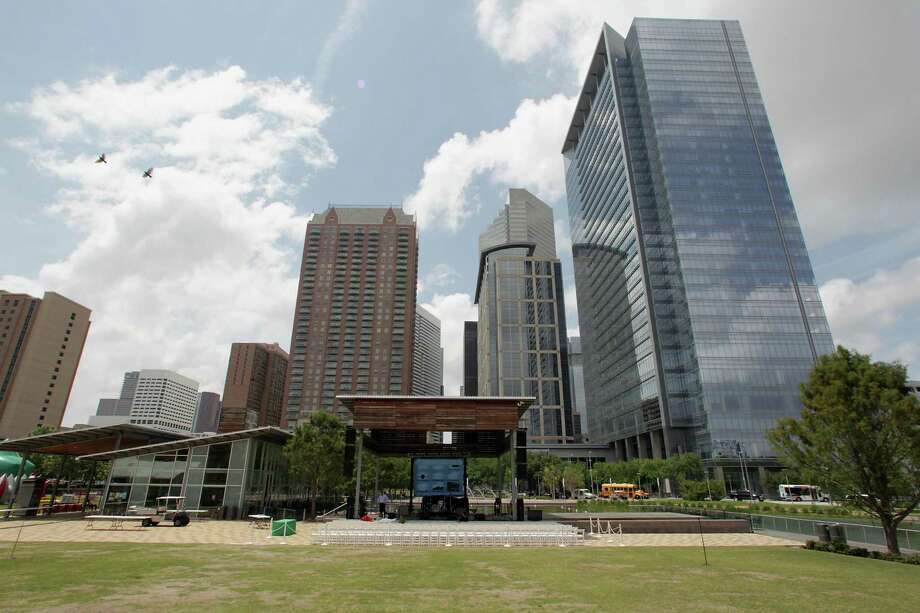 The beautiful Discovery Green has a stage that really adds to the experience of the park.  Photo: James Nielsen, Houston Chronicle / © 2013 Houston Chronicle