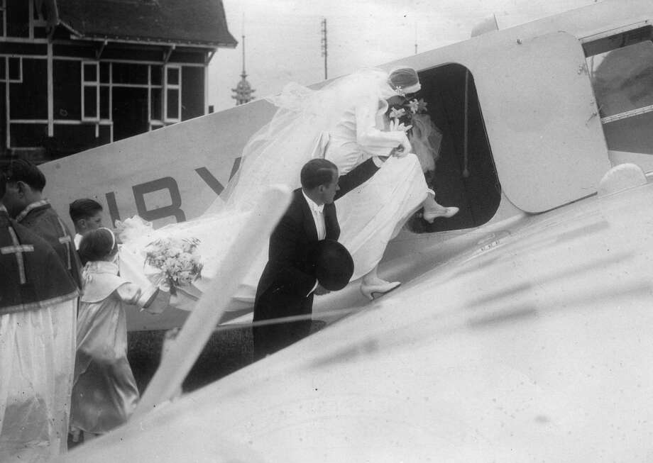 Here's an airplane wedding from 1935. Photo:  Anonym, IMAGNO/Austrian Archives (S) / IMAGNO/Austrian Archives (S)