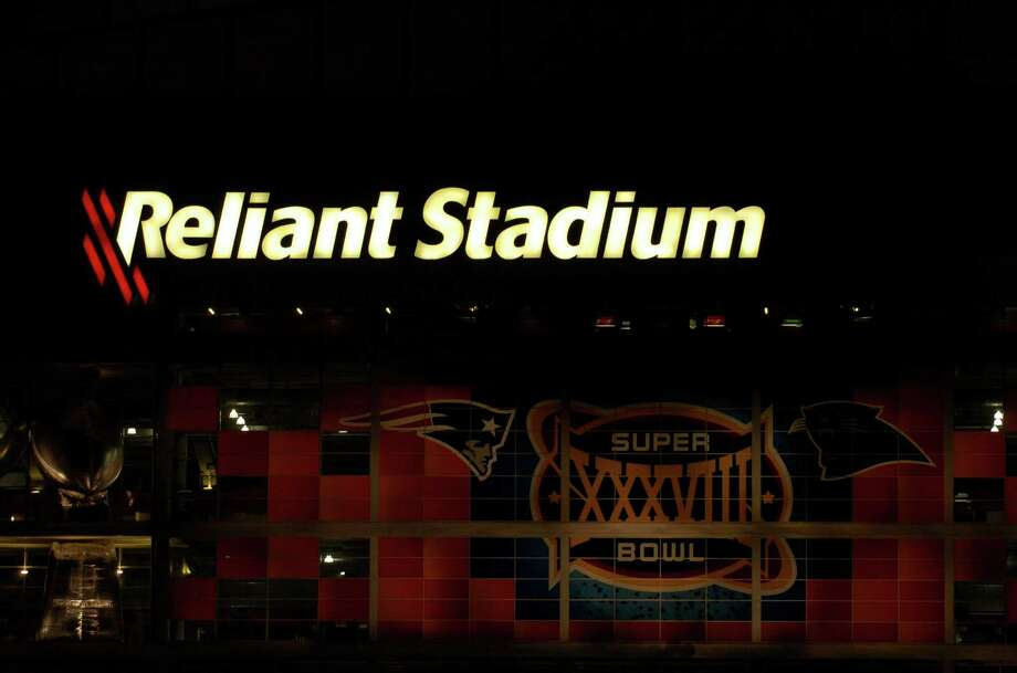 The chances for Reliant Stadium to host its second Super Bowl got a big boost late last week when the Florida legislature denied the Miami Dolphins public money to upgrade their stadium, removing South Florida from serious consideration to host future Super Bowls. Photo: Karl Stolleis, Staff / Houston Chronicle