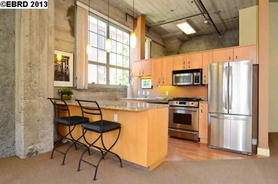 Live/work lofts appeal to the young, tech-oriented buyer so prevalent in today's Bay Area market. Photo via JULIA BIVINS, MCGUIRE REAL ESTATE/Redfin