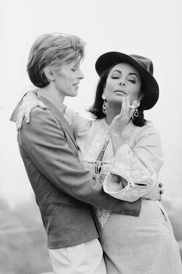 David Bowie and Elizabeth Taylor, 1975. Photo: Terry O'Neill, Getty Images / 2005 Getty Images