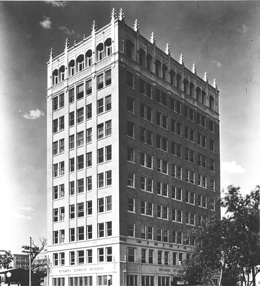 The Builders Exchange building, 152 E. Pecan St., underwent facade treatment in the early '90s. Photo: COURTESY OF SAN ANTONIO CONSERVATION SOCIETY
