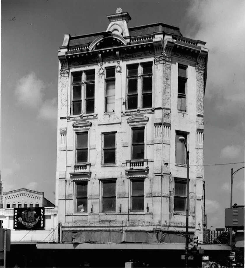 The Reuter Building, 217-219 Alamo Plaza, was built in 1891. Photo: COURTESY OF SAN ANTONIO CONSERVATION SOCIETY