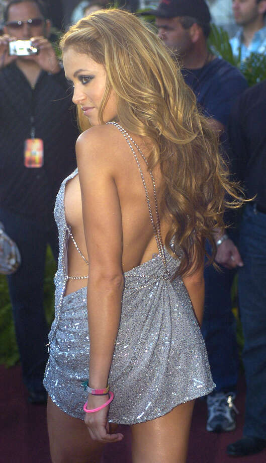 Paulina Rubio poses as she arrives on the red carpet for the Selena Vive tribute concert at Reliant Stadium, April 7, 2005, in Houston. Photo: BRETT COOMER, AP / AP