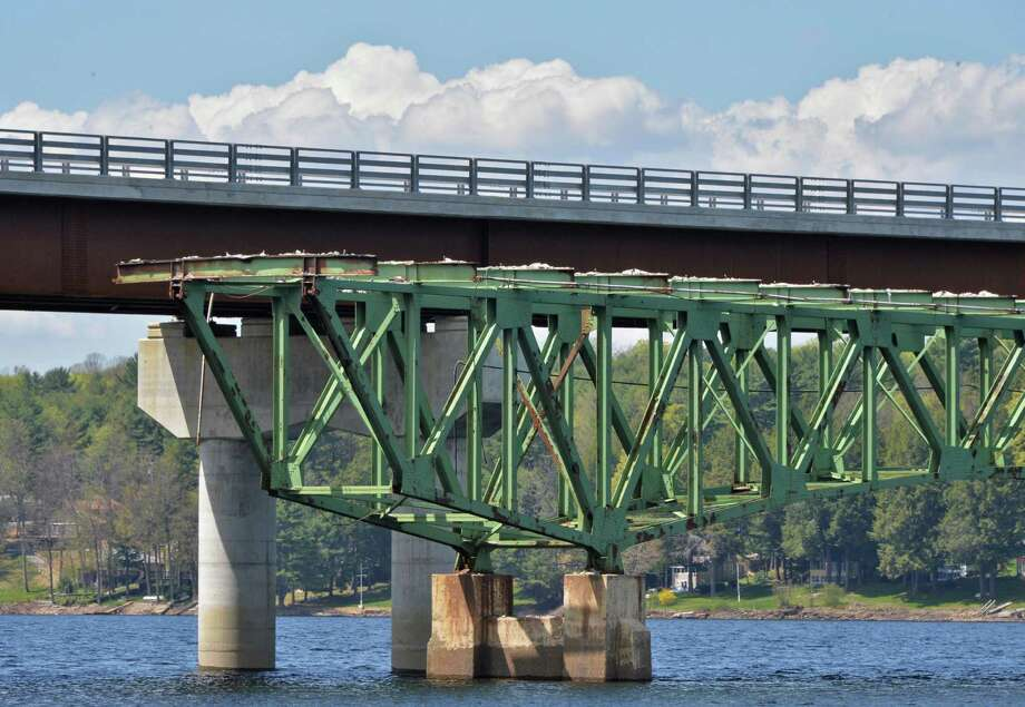 The remaining span of the 83-year old Batchellerville bridge, in foreground, along side the old one, at top, in Edinburg, NY Tuesday May 7, 2013.  (John Carl D'Annibale / Times Union) Photo: John Carl D'Annibale / 10022288A