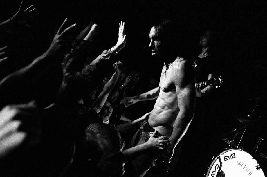 Iggy Pop performs at the Continental Divide in January 1993 in New York City. Photo: Catherine McGann, Getty / 2008 Catherine McGann