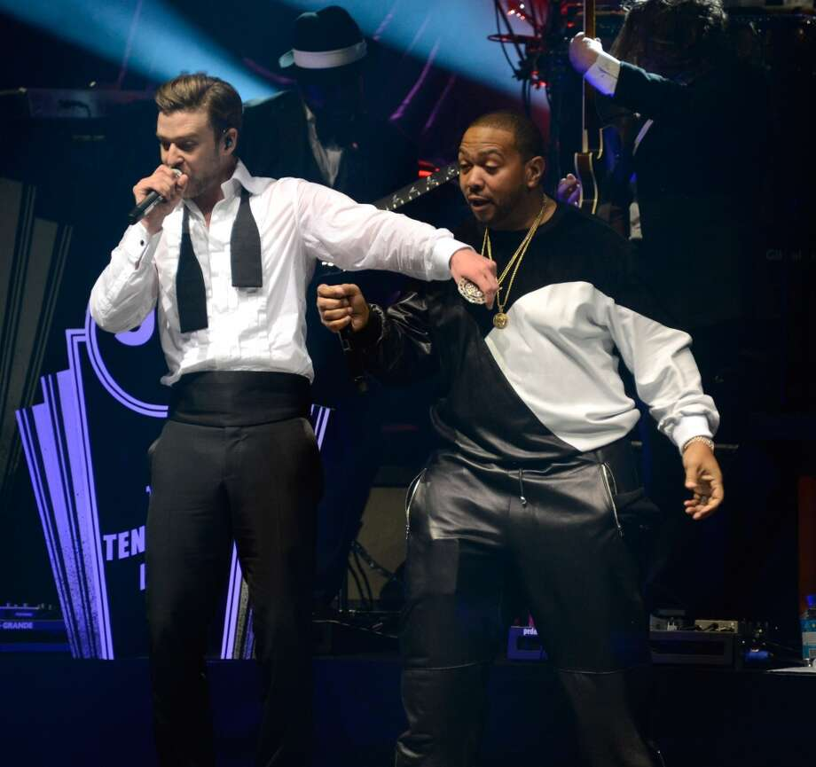 NEW YORK, NY - MAY 05:  Musicians Justin Timberlake and Timbaland  perform during MasterCard Priceless Premieres Presents Justin Timberlake at Roseland Ballroom on May 5, 2013 in New York City.  (Photo by Kevin Mazur/WireImage)