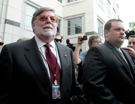 Attorney Cheney Mason, left, lawyer for Casey Anthony, arrives at the  Orange County Courthouse in Orlando, Fla., Thursday, July 7,  2011.   Anthony, who was acquitted of killing her daughter, Caylee Anthony, faces sentencing for lesser charges. Photo: AP