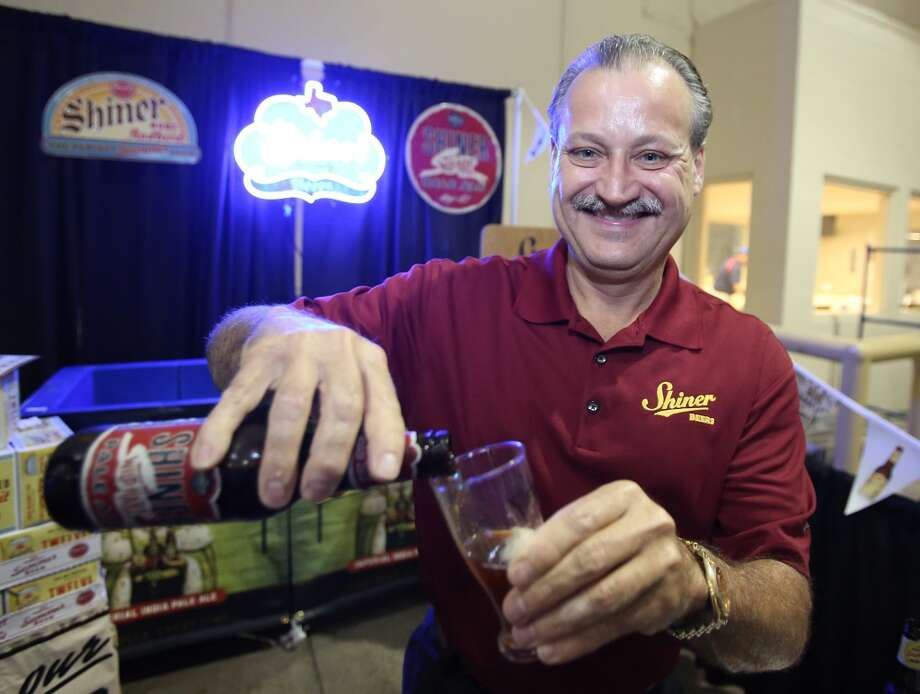 Spoetzl brewmaster Jimmy Mauric pours a Shiner Wild Hare.