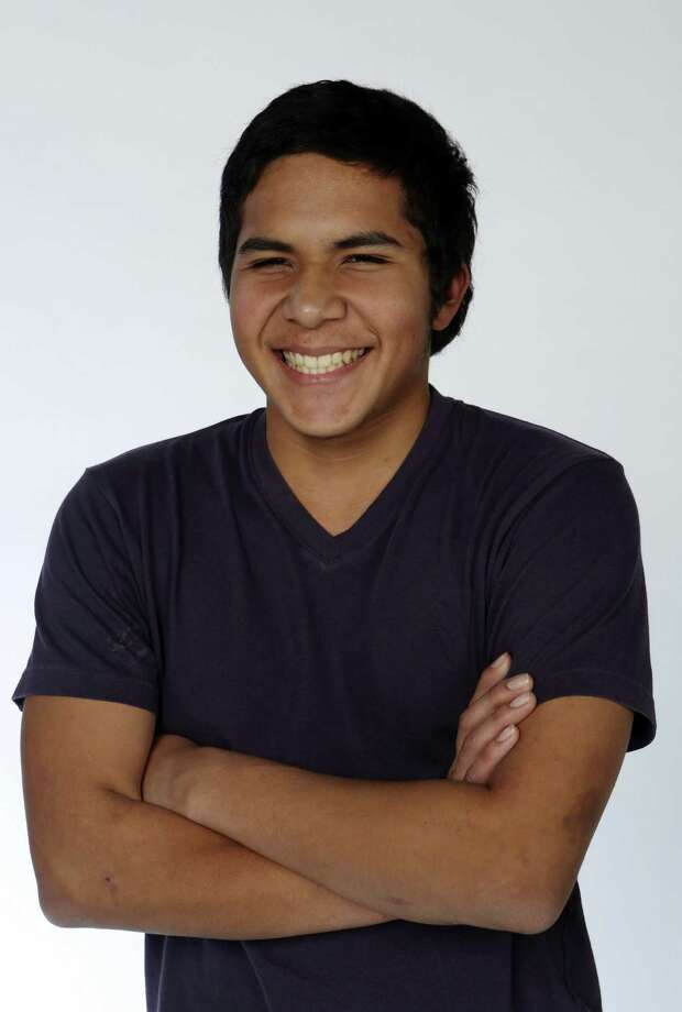 Guillermo Martinez, 17