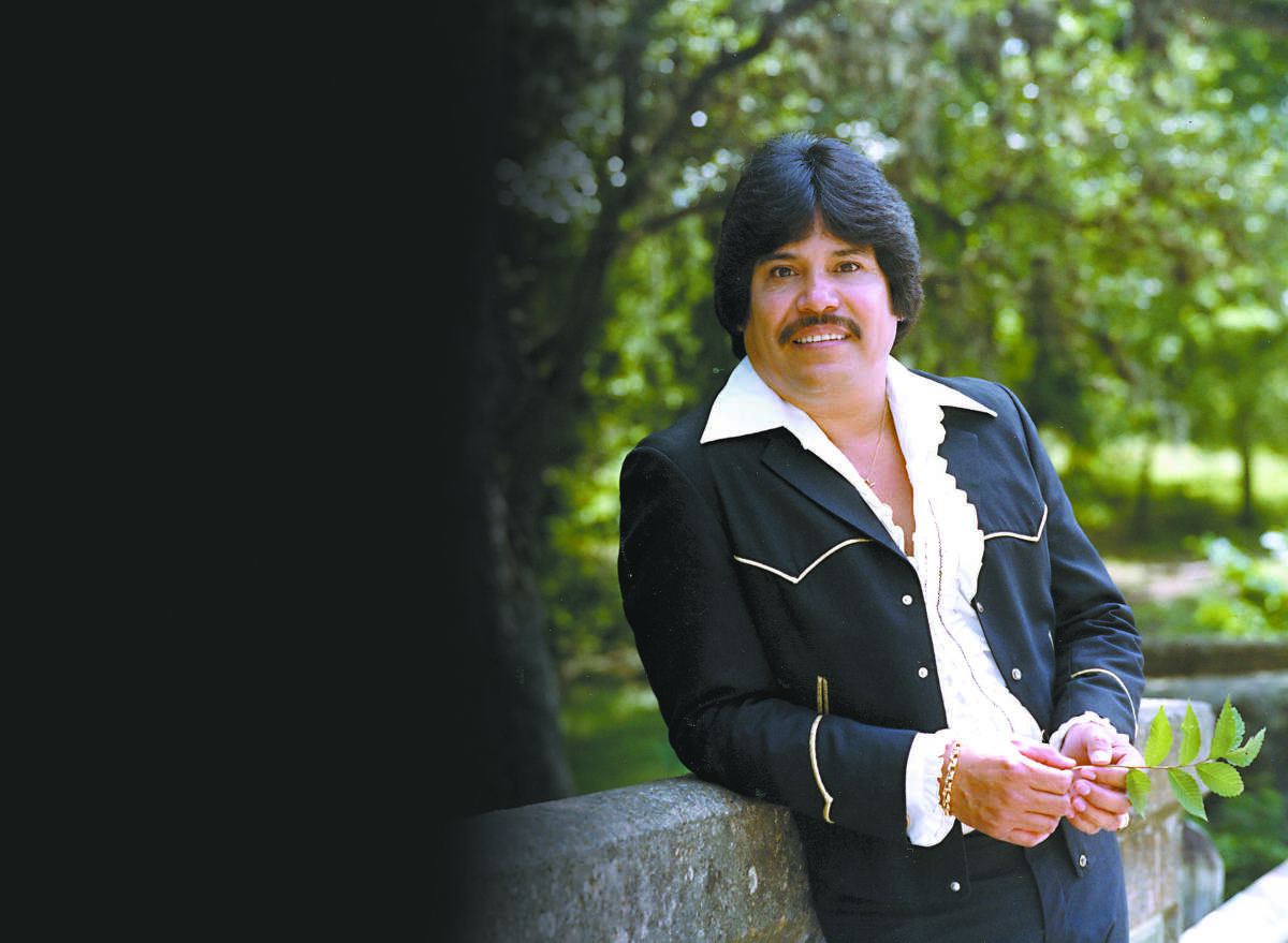 Carlos Miranda, Mexico-born Tejano singer remembered for hits such as