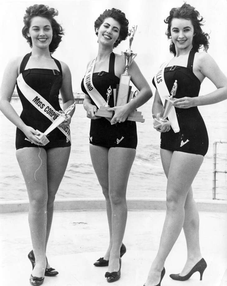05/04/1958 - Winner of Miss Splash Day 1958, Betty Coolidge (Miss San Antonio) is flanked by runners-up Barbara Martin (second place, Miss Corpus Christi) and Suzanne Adams (third place, Miss Dallas)