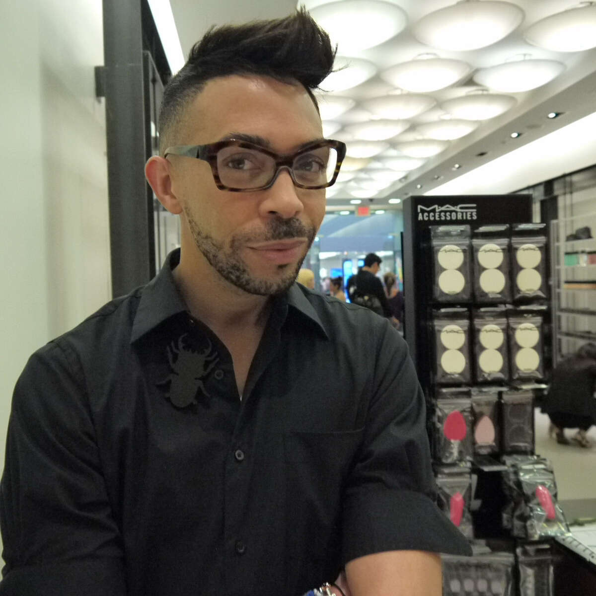 MAC Cosmetics snior artist Romero Jennings is constantly asked for makeup tips and advice.