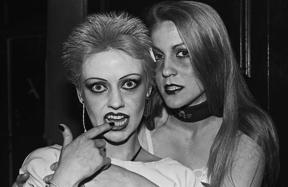 Punk music fans pose together during a 1979 Los Angeles, California, portrait session in the hallway of the downtown Elk's Lodge. (Photo by George Rose/Getty Images)