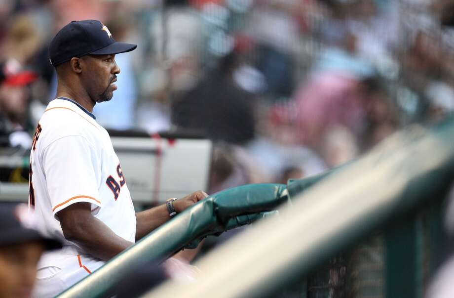 Astros manager Bo Porter (16) in the dugout.
