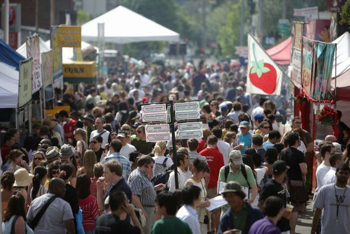 A shot of just how busy the street fair can get.