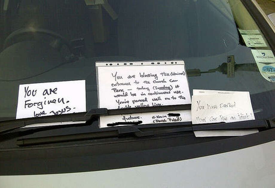 From Baltimore, Maryland, with love. Photo via Passive Aggressive Notes. Photo: Http://www.passiveaggressivenotes.com/category/car/parking/