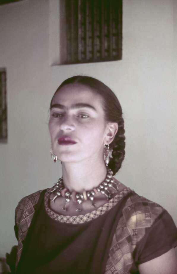 Mexican painter Frida Kahlo (1907 ? 1954), Mexico, circa 1940. (Photo by Archive Photos/Getty Images)