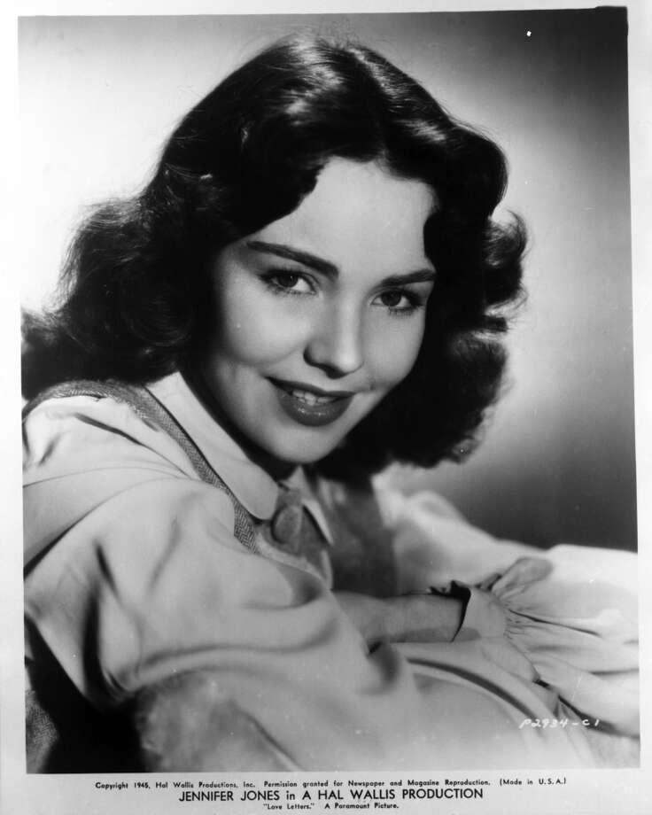 Jennifer Jones publicity portrait for the film 'Love Letters', 1945. (Photo by Paramount/Film Favorites/Getty Images)