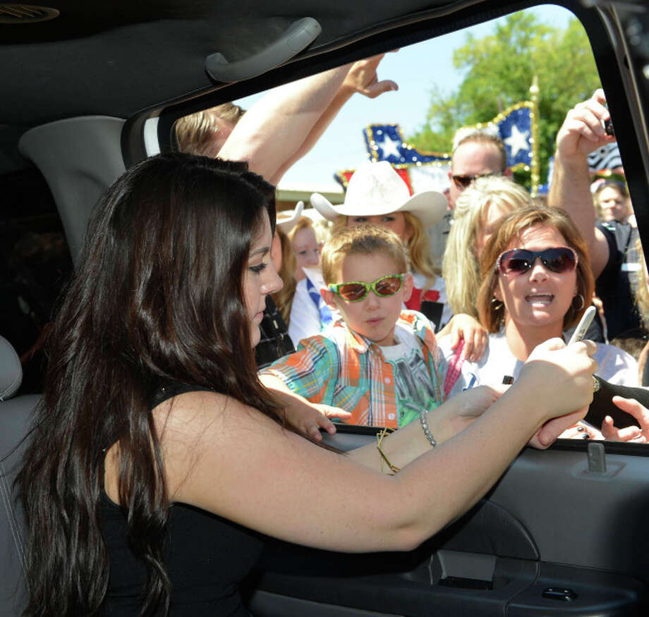 AMERICAN IDOL:  Kree Harrison is greeted by fans during her hometown visit in Woodville, TX. CR: Michaek Becker / FOX. Photo: Michael Becker